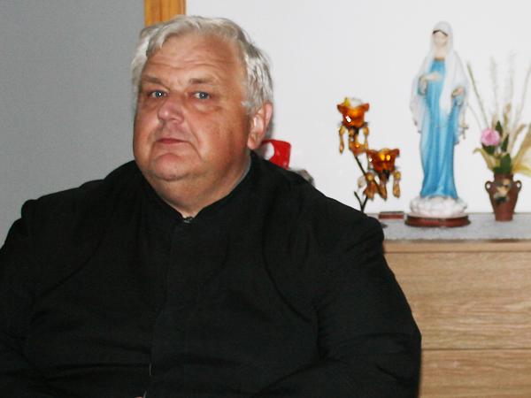 Proboszcz parafii ks. kanonik Bazyli Pawełko (Fot. Konstanty Czawaga)