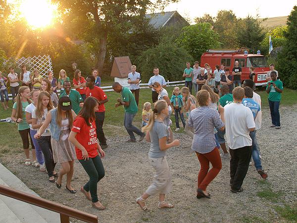Zabawa i tańce (Fot. Eugeniusz Sało)