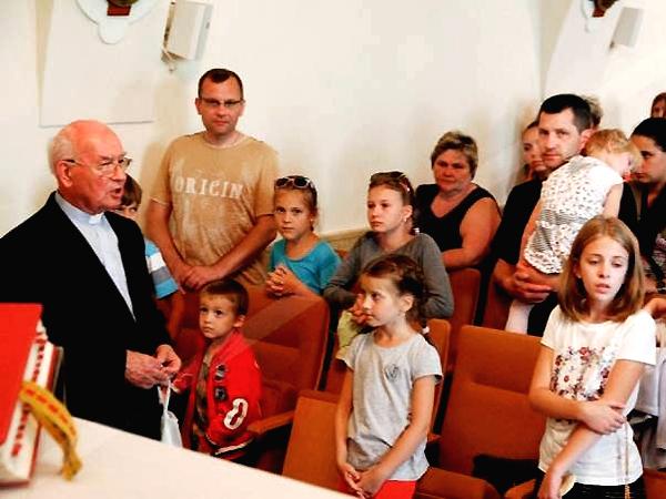 Spotkanie z ks. Eugeniuszem Klimińskim (Fot. Grażyna Bereza)