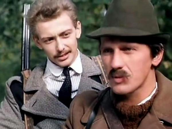 """Jacek Borkowski jako Michał Rajecki i Jan Englert jako Stanisław Pucewicz w filmie """"Sobol i panna"""", 1983"""