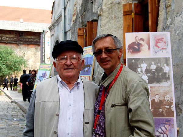 Dr. Aaron Weiss i dziennikarz KG Konstanty Czawaga (Fot. Julia Łokietko)