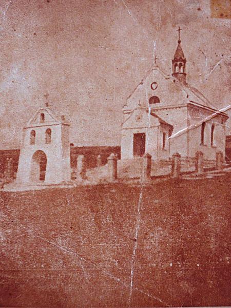 Widok kosciółka mogilnego poświęconego dnia 21 września 1930 roku (Fot. dytiatyn.pl)