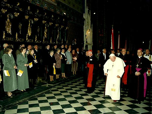 W czerwcu 2001 r. Katedrę Lwowską odwiedził papież Jan Paweł II (Fot. chorkatedry.lwowskabazylika.org.ua)