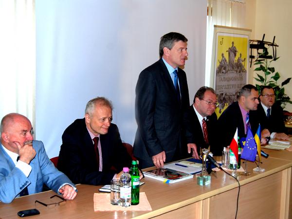 Jan Malicki, Jacek Piechota, Igor Cependa, Witalij Marsymenko, Marcin Zieniewicz i Mirosław Rowicki (Fot. Konstanty Czawaga)(Fot. Konstanty Czawaga)