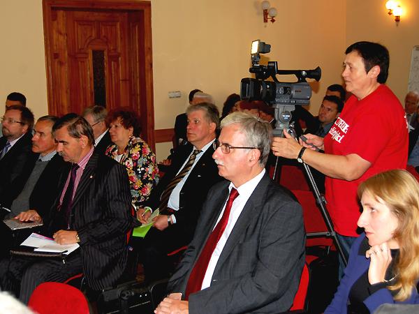Materiał dla TV Kuriera Galicyjskiego przygotowuje Maria Basza. Pierwsza od prawej: dr Agnieszka Sawicz (Fot. Konstanty Czawaga)