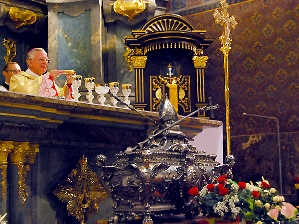 Abp Marek Jędraszewski podczas mszy św. katedrze p.w. Wniebowzięcia NMP (Fot. Konstanty Czawaga)