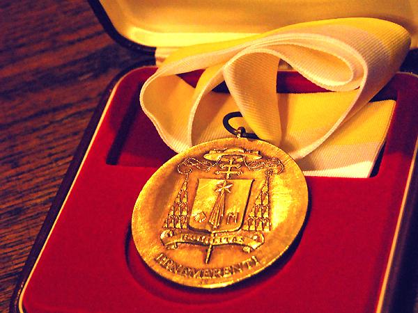 Medal bł. Jakuba Strzemię (Fot. Konstanty Czawaga)