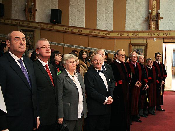 Doktoraty honoris causa dla Polaków