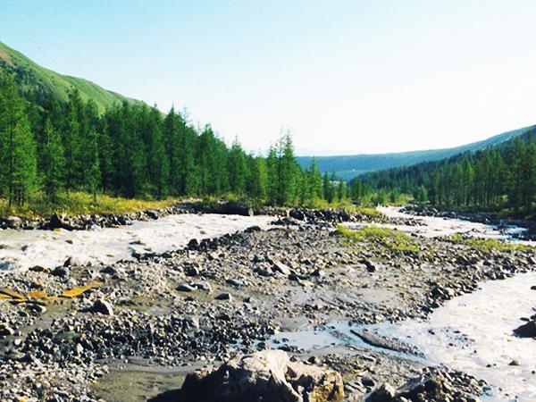 Rozlewisko w górze rzeki Mrassu, Szoria (Fot. Wojciech Grzelak)