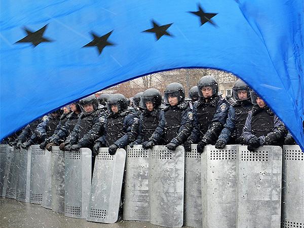UE oferuje pomoc w uspokojeniu sytuacji na Ukrainie