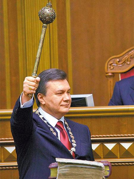 Janukowycz: wciąż jestem prezydentem Ukrainy