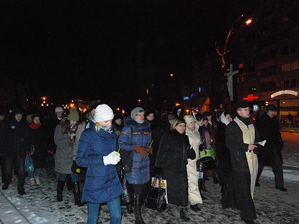 Procesja żałobna w centrum Lwowa (Fot. Konstanty Czawaga)