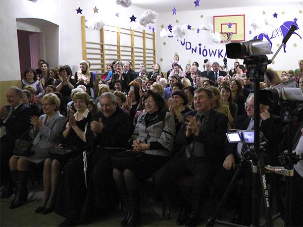 Goście, nauczyciele i rodzice przyszłych absolwentów (Fot. Maria Basza)