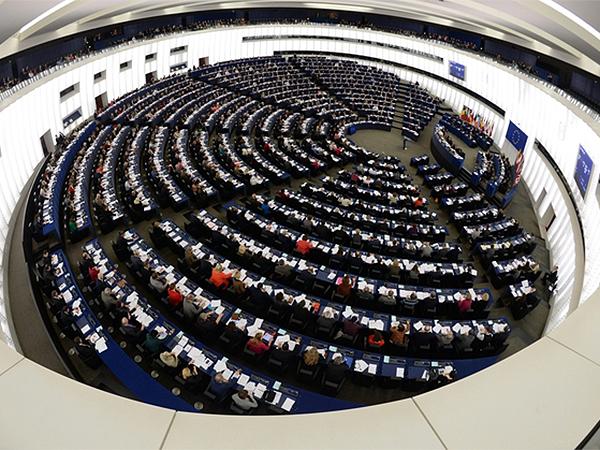 Ostra krytyka Rosji za inwazję na Krym w Parlamencie Europejskim
