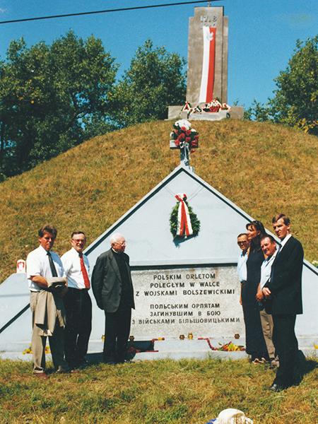 Uroczystości 81. rocznicy bitwy pod Zadwórzem, 17.08.2001 (Fot. ze zbiorów Macieja Krasuskiego)