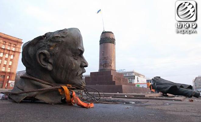 Spadł Lenin w Żytomierzu (Fot. Wikipedia)