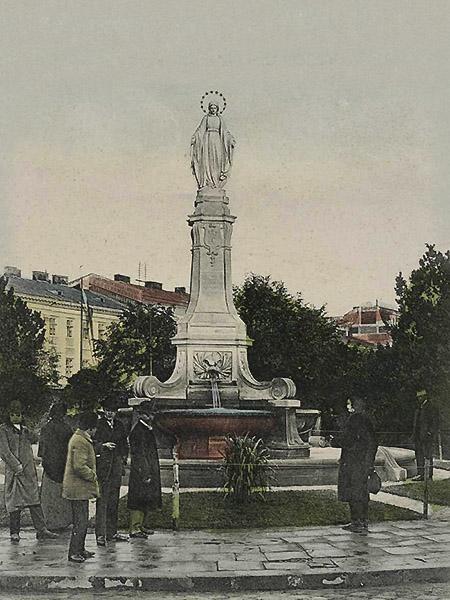 Dawny Plac Mariacki. Figura ufundowana przez Sewerynę Badeniową (obecnie w kościele bernardynów)