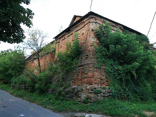 Mury obronne klasztoru (Fot. Dmytro Antoniuk)