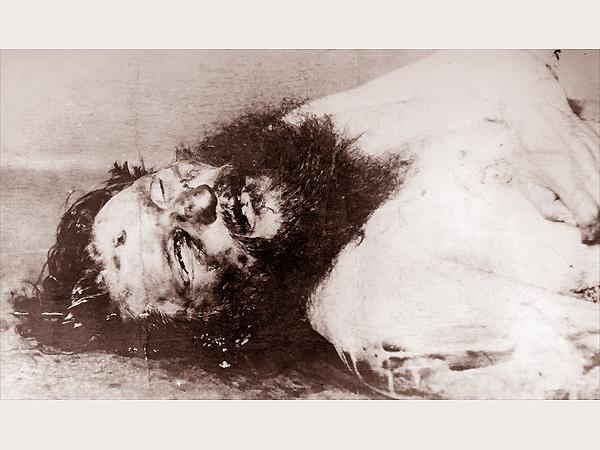 Następne zdjęcie policyjne. Twarz Rasputina zmasakrowana straszliwym biciem. Wybite prawe oko. W środku czoła otwór po wystrzale Oswalda Raynera (Fot. Wikipedia)