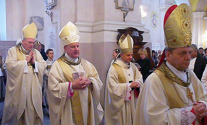 Ingres biskupów w Łucku i Charkowie