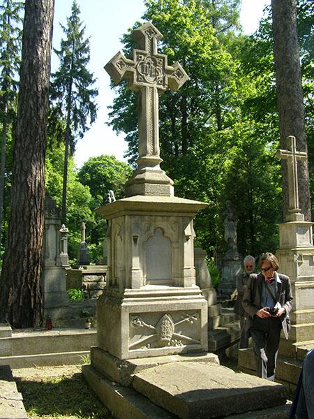 Nagrobek na grobie bpa Romaszkana (Fot. Jurij Smirnow)