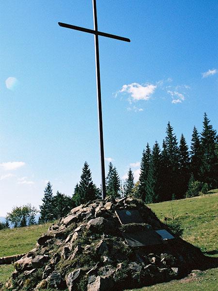 Krzyż na Przełęczy Legionów (Fot. Jan Skłodowski)