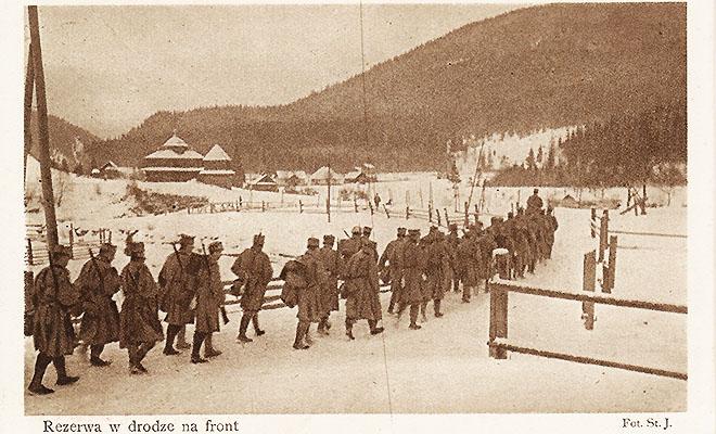 Legioniści w Rafajłowej – wymarsz na front (stara pocztówka ze zbiorów autora)