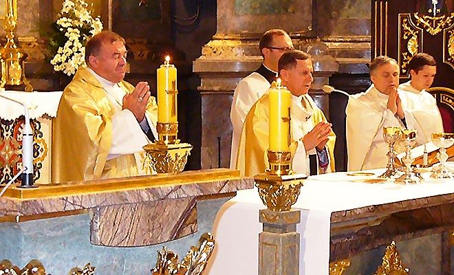 Wystawa papieska w katedrze lwowskiej