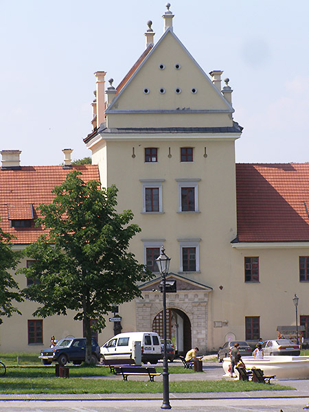 Żółkiew, brama wjazdowa do zamku (Fot. Jurij Smirnow)