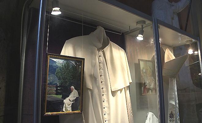 Papieska wystawa w katedrze lwowskiej