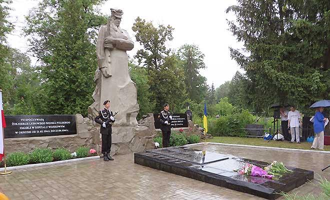 Uroczystości ku czci żołnierzy Wojska Polskiego w Sumach. List do redakcji