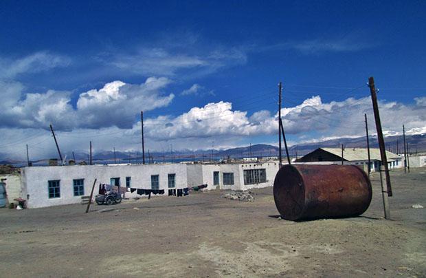 Tadżykistan. Część trzecia: Przekraczanie blokady a sprawa ukraińska