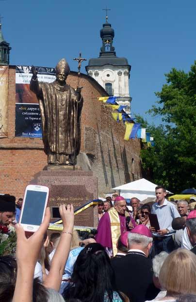 W Berdyczowie stanął pomnik papieża Polaka