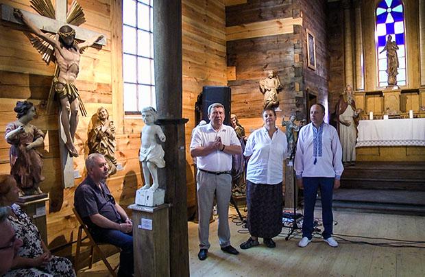Otwarcie wystawy rzeźby sakralnej w skansenie lwowskim