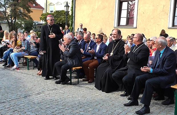 Ks. bp Andrzej Siemieniewski, prezydent Fundacji im. św. Jadwigi (Fot. Eugeniusz Sało)