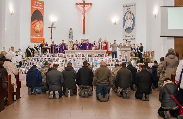 W Chmielnickim uczczono pamięć poległych żołnierzy ukraińskich
