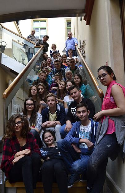 Uczniowie szkoły nr 24 w Zawoni