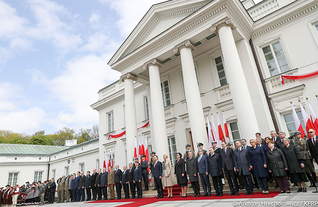 Andrzej Duda: Dzień Flagi i Dzień Polonii łączą się ze sobą w symboliczny sposób