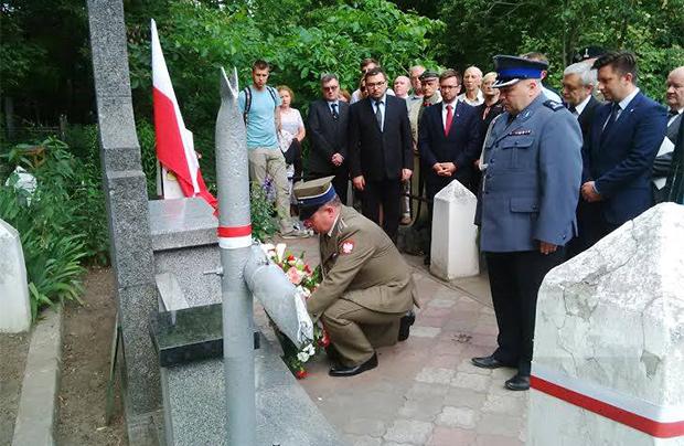 Polacy i Ukraińcy razem oddają hołd poległym żołnierzom