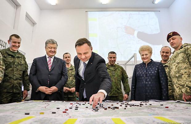Prezydenci z wizytą w Litewsko-Polsko-Ukraińskiej Brygadzie