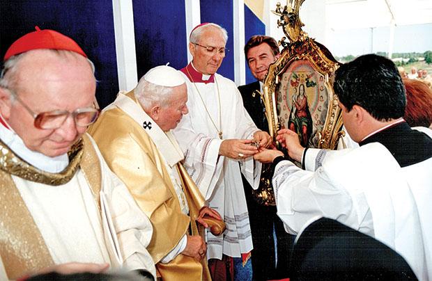 Jan Paweł II a archidiecezja lwowska. Część 1