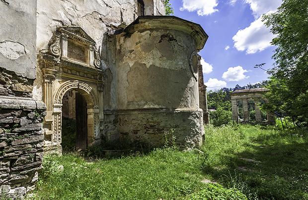 Jazłowiec – na murach opuszczonego kościoła przez kilka stuleci ukrywał się… starożytny smok