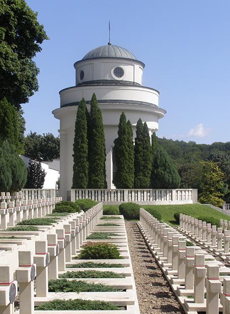 Tajemnice grobów polskich generałów i osób duchownych na Cmentarzu Orląt