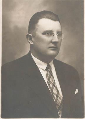 """Wacław Chowaniec (1887–1985) – realizator idei """"Wielkiego Stanisławowa"""""""