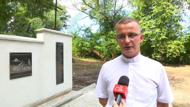 Poświęcenie fundamentu zabytkowego kościoła i dzwonnicy w Łanowicach