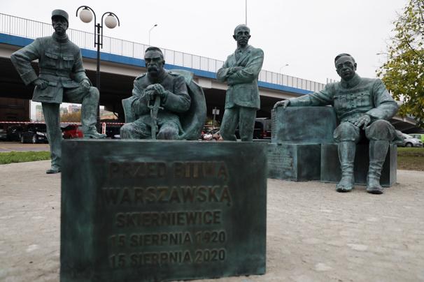 """""""Przed Bitwą Warszawską"""" – pomnik upamiętniający międzynarodową współpracę podczas wojny 1920 roku"""