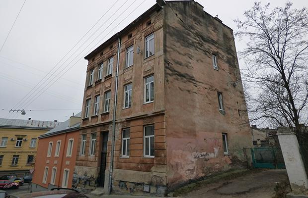 Odtworzone popiersie Gustawa Fiszera na Cmentarzu Łyczakowskim