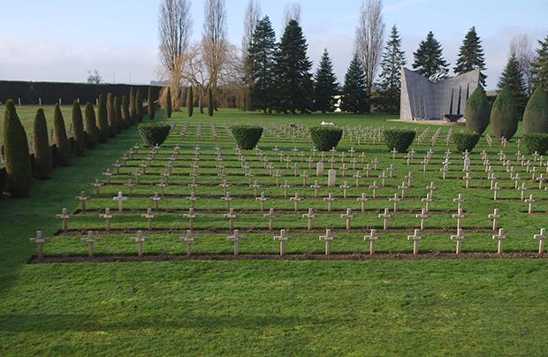 Poszukujemy krewnych żołnierzy pochowanych w Belgii