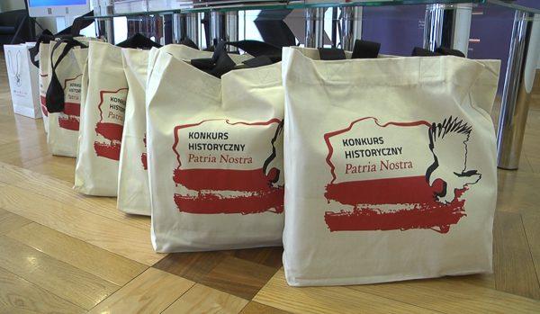 Zwycięzcy konkursów historycznych otrzymali nagrody