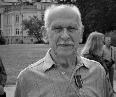 Andrzej Jacek Zajączkowski (1933–2021)